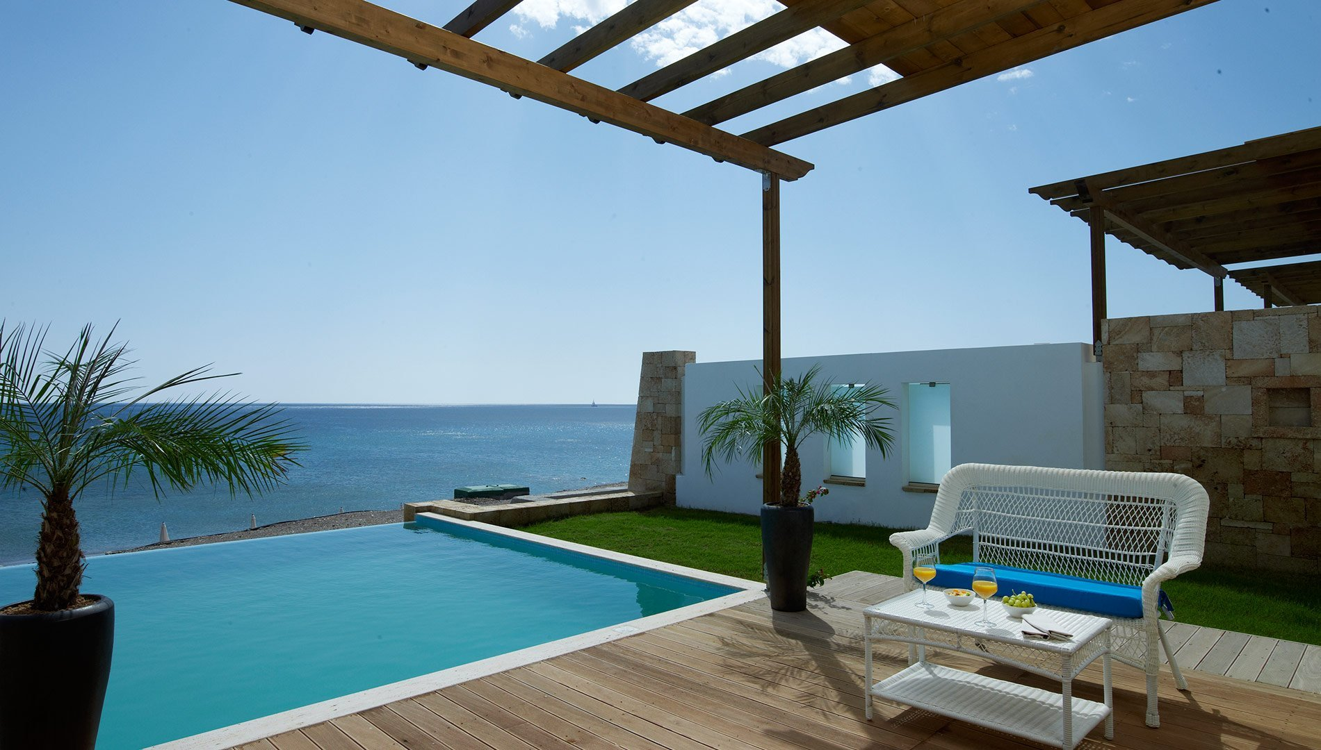 Beach villa with private pool rhodes atrium prestige for Design hotels griechenland